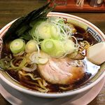 丸 中華そば - 料理写真:丸 中華そば(中華そば680円+ネギ増し50円)