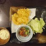 103328462 - かしわ天3個+やみつきキャベツ+ハマチの煮つけ@情熱うどん讃州新大阪店(2018年10月某日)