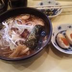 麺屋天王 - 料理写真:さっぱりラーメン 650円、味付け玉子 100円