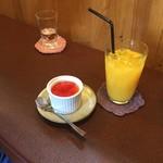 ジャム cafe 可鈴 - 糸島地卵のシンプルプリン(400円)のドリンクセット(+200円)