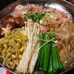 10333588 - 大分冠地鶏味噌鍋