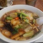 台北101 - 益々旨い五目湯麺♪