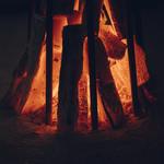 さんぽう西村屋 - 囲炉裏炭火の柔らかな炎でおくつろぎください。