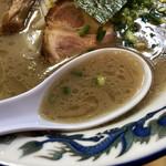 103338139 - 濃厚豚骨スープ