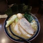 大山家 - 料理写真:大山家SPラーメン¥500(半額)