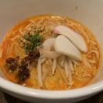 あなたの心に残る シンガポール キッチン&バーHOLIC - ラクサ  L size ロング麺(ホット) 1,000円。
