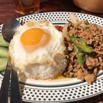 タイレストラン Smile Thailand - ガパオライス