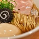 らぁ麺 はやし田 - 味玉のどぐろそば@税込1,100円:麺