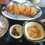 とんかつ神楽坂さくら - つや姫豚肉厚ロースかつ定食200g 1852円