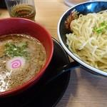 麺堂 香 - 濃厚魚介つけ麺