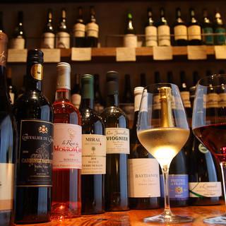 料理の味わいをさらに豊かにしてくれるシェフ厳選の『ワイン』