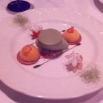 レストラン潮幸 - ピンク色の写真はかち撮影。なぜピンクになるのかはわからないそーです。