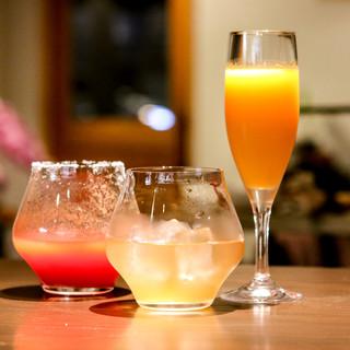 当店オリジナルカクテル&ジュースを各種ご用意しております。