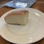 フォンテ・ディ・ディーオ - ランチセットのパン