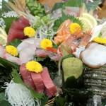 海鮮一番 - 海鮮一番盛り六種三切れ