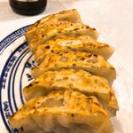 中国ラーメン揚州商人 - サービス餃子