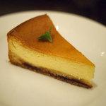 トラットリア ベリタ - リッチなベイクドチーズケーキ