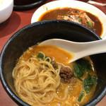 103386785 - ミニ担々麺は汁ありで。