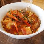 からびな - 魚介のスープパスタ(トマト・有頭えびバージョン)