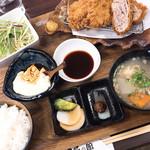 黒豚の館 - 黒豚三味かつ定食