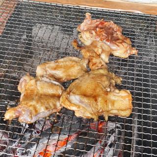 ろばたやき山ろく - 料理写真:地鶏タレ焼き