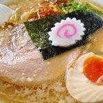 日和田製麺所 - 特製中華そば+煮卵入り