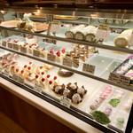 パティスリー ケセラセラ - ケーキのショーケース