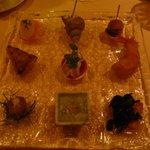 レストランMOMO - 9色のパレット