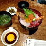 Hakatanaginoki - お昼のサービス海鮮丼