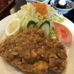 魚と酒菜 とき和 - 鶏もも揚げピーナッツソースがけ定食 930円