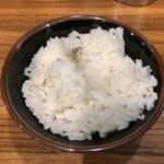 横浜家系ラーメン 池袋商店  - サービスの半ライス