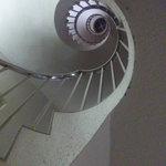 だるま - アールヌーボー調のらせん階段(笑)