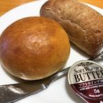 103441221 - ランチのパン