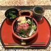 すし 松前  - 料理写真:まぐろなかおち丼 750円