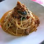 パートリア - 丹波若鶏のコンフィとデカンショネギ・春菊のスパゲティ