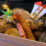 さの寿司 - 祝 玉手箱 ¥3500~ 赤飯 鯛 車海老 八幡巻き 筑前煮 金団等