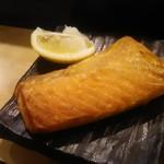 魚がし寿司 - 鮭のハラス焼き 500円