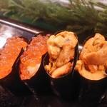 魚がし寿司 - イクラ 200円×2、ウニ 200円×2
