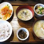 KUKURU - 一汁三菜