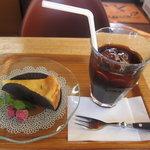 マンガッタンカフェ えき - かぼちゃのチーズケーキとアイスコーヒーセット(580円)