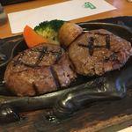 さわやか - 料理写真:げんこつハンバーグ オニオンソースで!炭焼きだからか香ばしさがすごくよくて、肉もしっかり締まってジューシーでした!こんなにおいしいハンバーグは初めてかもしれないていうくらいおいしかった!