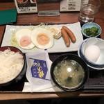 品川 ひおき - 目玉焼き定食+生玉子