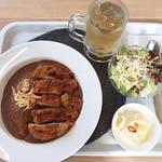 カフェ ストロベリーフィールド - 淡路島カレーのチキンカツカレーランチ¥1100を5辛にしましたドリンクはジンジャエールでLサイズに変更+¥50