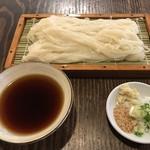 うどん屋 井戸 - 料理写真:ざるうどん=600円