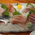 すし処 まる辰 - 大漁盛り 980円