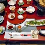 ホテル小柳 - はじめに並んだ料理