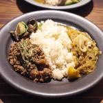 キッチン アンド カリー - 料理写真:佐賀食材をたっぷり使ったスペシャルコラボプレート(1800円)