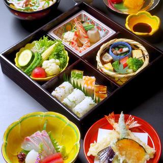 厳選食材のお弁当・日本料理※各種ご宴会や慶事・法事対応します
