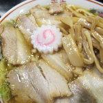 肉煮干し中華そば さいころ - 肉煮干しのアップ