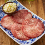 薄切りネギ塩牛タン